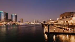 Vista di Dubai Creek nel vecchio Dubai in Al Seef Area Il Dubai - UAE 2 gennaio 2019 fotografia stock