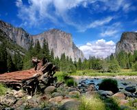 Vista di EL Capitan nella sosta di nazione del Yosemite Immagini Stock