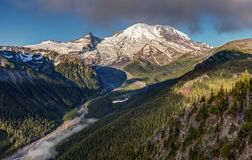 Vista di Emmons del monte Rainier fotografie stock