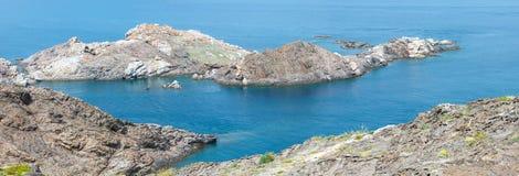 Vista di estate di Costa Brava dal cappuccio de Creus, Spagna Immagini Stock Libere da Diritti