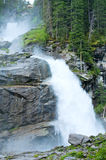 Vista di estate della cascata delle alpi Fotografie Stock Libere da Diritti