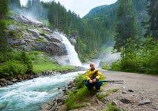 Vista di estate della cascata delle alpi Immagine Stock Libera da Diritti