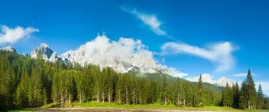Vista di estate della montagna delle dolomia Fotografia Stock