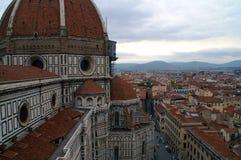 Vista di Firenze dalla cattedrale del tetto di St Mary del fiore Fotografie Stock Libere da Diritti