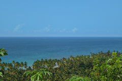 Vista di fondo tropicale piacevole dalla cima di una montagna Immagini Stock Libere da Diritti
