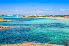 Vista di Formentera Balearic Island dal mare della costa ovest fotografie stock libere da diritti
