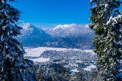 Vista di Garmisch-Partenkirchen e di Farchant Fotografia Stock
