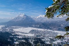 Vista di Garmisch-Partenkirchen e di Farchant Immagine Stock Libera da Diritti