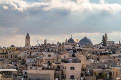 Vista di Gerusalemme dai vecchi mura di cinta in Israele Fotografie Stock Libere da Diritti