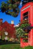 Vista di giorno del cottage inglese a Bicester Regno Unito immagini stock libere da diritti