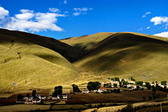 Vista di giorno del villaggio di Bamei alla provincia di Yunnan Cina immagine stock