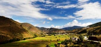 Vista di giorno dell'altopiano a Derong di Sichuan fotografia stock libera da diritti