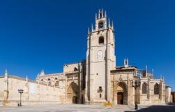 Vista di giorno della cattedrale di Palencia Immagini Stock