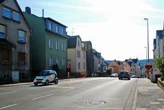 Vista di giorno soleggiato della via di Limburger della città di Diez germany Fotografia Stock Libera da Diritti
