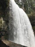 Vista di grande cascata fotografia stock