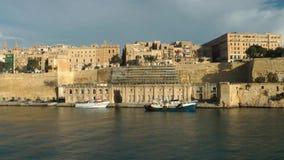 Vista di grandi porto e La Valletta archivi video