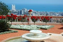 Vista di Haifa dal terrazzo del giardino del tempiale di Bahai, Israele Immagini Stock Libere da Diritti