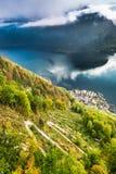 Vista di Hallstatt dalla cima della montagna Fotografie Stock Libere da Diritti