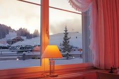 Vista di inverno attraverso una finestra Fotografia Stock Libera da Diritti