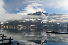 Vista di inverno del lago Immagine Stock