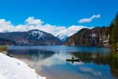 Vista di inverno del lago Alpsee in Germania Bello Immagini Stock Libere da Diritti