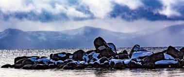 Vista di inverno del lago Tahoe Immagini Stock Libere da Diritti