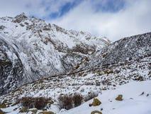 Vista di inverno dell'alta montagna in Sichuan Immagini Stock