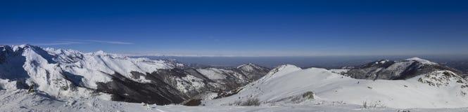 Vista di inverno delle alpi, del Piemonte e del Monviso italiani Immagini Stock Libere da Diritti