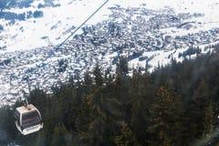 Vista di inverno sulla valle in alpi svizzere, Verbier, Svizzera Fotografia Stock