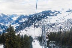 Vista di inverno sulla valle in alpi svizzere, Verbier, Svizzera Immagini Stock