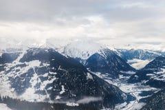 Vista di inverno sulla valle in alpi svizzere, Verbier, Svizzera Fotografie Stock Libere da Diritti