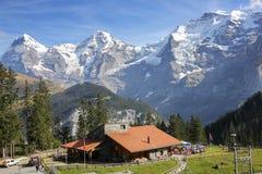 Vista di Jungfrau dell'alpe svizzera Immagine Stock