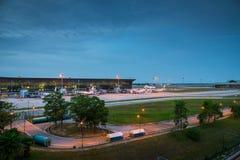 Vista di KLIA, Kuala Lumpur International Airport, Malesia, all'alba Fotografia Stock