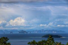 Vista di Krabi da Phi Phi Immagini Stock