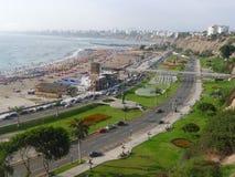 Vista di Lima della baia dal distretto di Chorrillos Immagini Stock