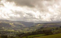 Vista di Llandrillo e delle montagne di Berwyn, Galles del nord, Regno Unito Fotografia Stock