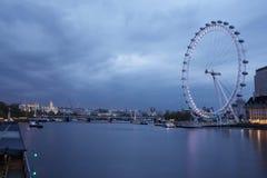 Vista di Londra alla notte fotografia stock