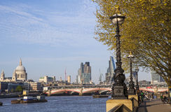 Vista di Londra dalla Banca del sud Fotografia Stock