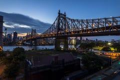 Vista di Long Island a Manhattan alla notte Fotografie Stock