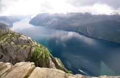 Vista di Lysefjord dalla roccia del quadro di comando, Norvegia Fotografia Stock Libera da Diritti