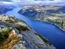 Vista di Lysefjord nella contea di Rogaland, Norvegia immagini stock libere da diritti
