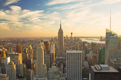 Vista di Manhattan all'indicatore luminoso di tramonto Immagini Stock Libere da Diritti