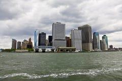 Vista di Manhattan dalla baia fotografia stock