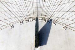 Vista di marmo del primo piano dell'orologio della meridiana Fotografia Stock