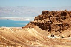Vista di Masada e del mare guasto Immagine Stock Libera da Diritti