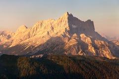 Vista di mattina del supporto Civetta, montagne delle alpi delle dolomia Fotografie Stock