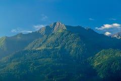 Vista di mattina del supporto Imbachhorn sopra Kaprun fotografie stock libere da diritti