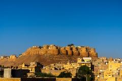 Vista di mattina della fortificazione di Jaisalmer, la città dorata, Rajastan, India fotografie stock libere da diritti