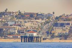 Vista di mattina della riva vicino a Manhattan Beach ed a Redondo Beach Fotografia Stock