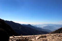 Vista di mattina in montagna Immagine Stock
